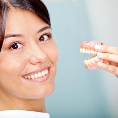 Protesi - Studio Dentistico Bernasconi | Dentista Saronno